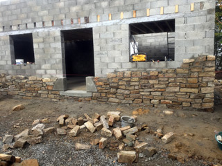 masonry of cinder blocks and stones